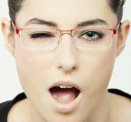 Augenbrauen-Formen mit Brille