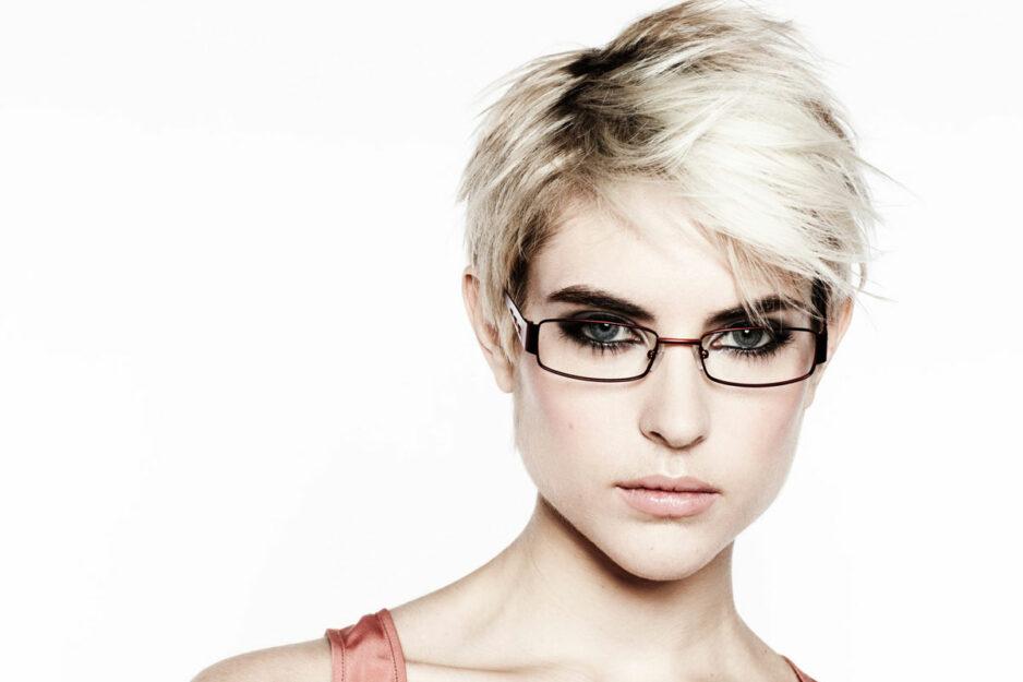 Haarfarbe Und Brille Tipps Für Den Perfekten Look