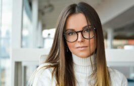 Farbkontraste Und Brillen So Fallen Sie Positiv Auf Brillenstyling